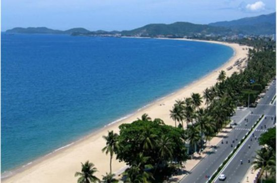 Da Nang city tour with seafood lunch