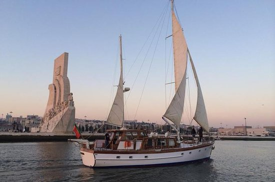 Full Day Private Cruise till Cascais