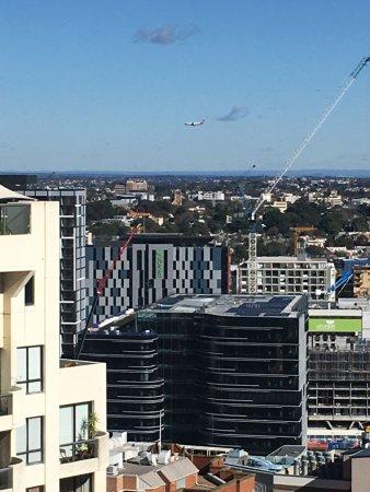 Meriton Suites Kent Street, Sydney : View From Room