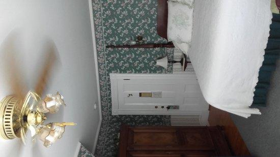 Manor House Inn: 20170620_150502_large.jpg
