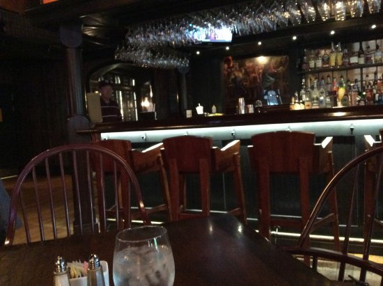 Hamilton, NY: Bar