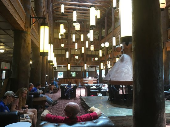 Many Glacier Lodge: photo1.jpg