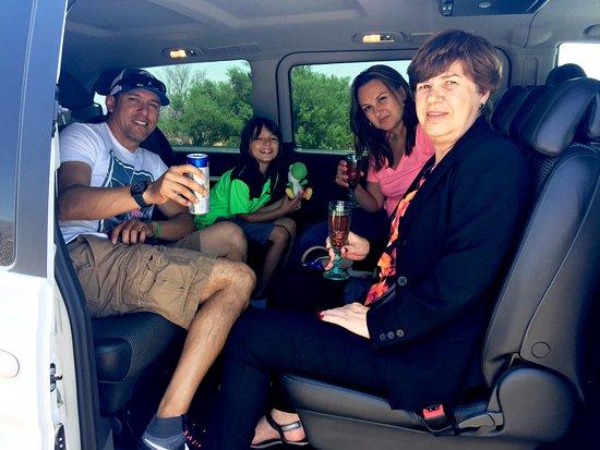 1 & 1 All Transfer: Recibiendo clientes y amigos, en Los Cabos.