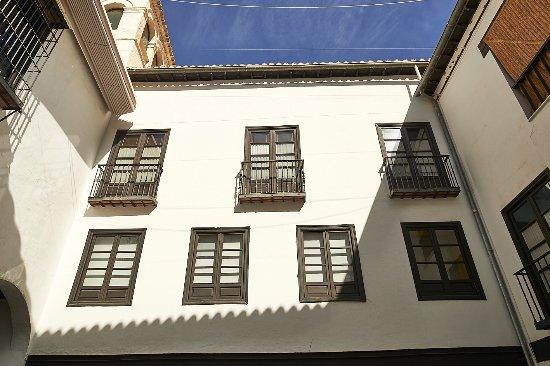 Musée de Casa de los Tiros : El patio interior que acoge el Museo de Historia de Granada
