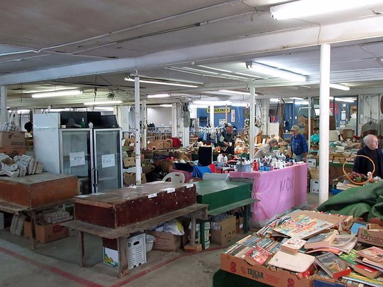 Aylmer, Kanada: Inside the Flea Market