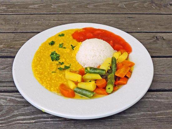 Ried Im Innkreis, Αυστρία: Spargel Karotten Curry mit Reis, Dhal und Chutney