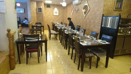 Table Seating Arrangement - Picture of Mannaland Korean Restaurant ...