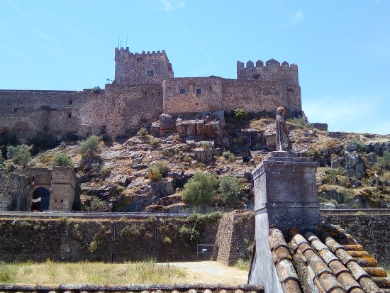 Alburquerque, Spain: View of the castle next door