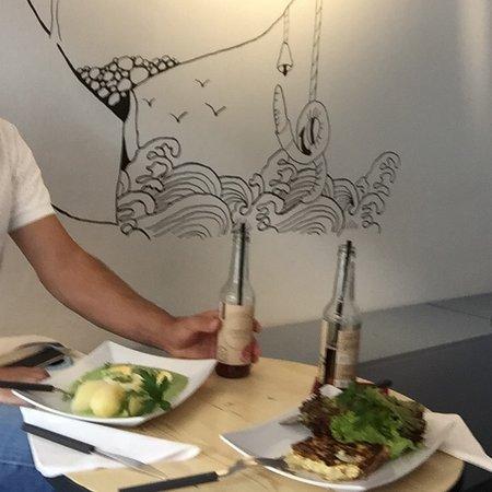 OFOF Cafebar
