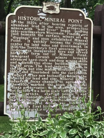plaque describing the history of Mineral Point, Wisconsin