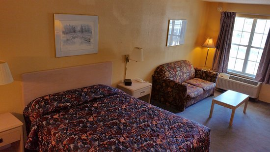 Iuka, MS: Executive 1 Queen Bed Room