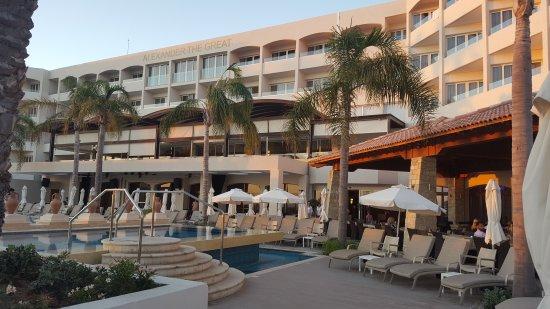 Alexander The Great Beach Hotel: 20170709_195930_large.jpg