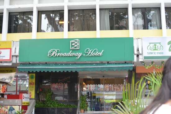 Broadway Hotel Singapore : Hotel front