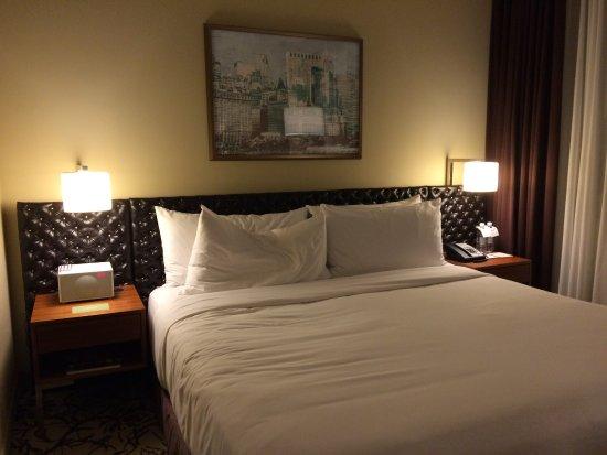 Cassa Hotel 45th Street New York: King bedroom