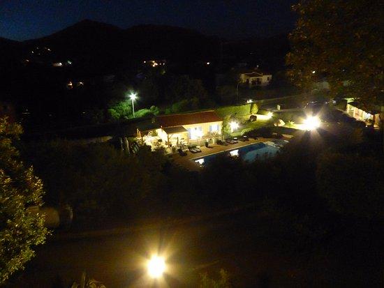 Residence Dolce Vita: vue du balcon en soirée