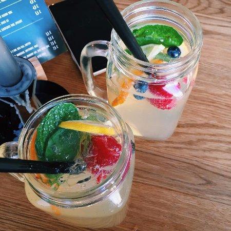 Marktredwitz, Tyskland: 🍋🍓 Hausgemachte Limonade - Sommergetränk! 😎, Foto: goodgirlgonebadxxx