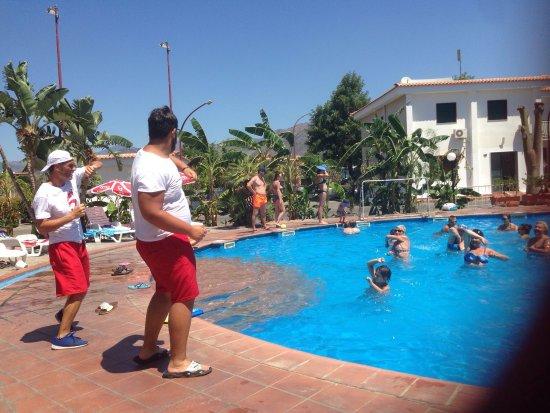 Villaggio Alkantara: Momenti ginnici  bravi ragazzi