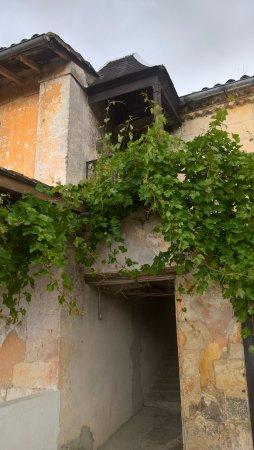 Begadan, Frankrike: Le passage pour aller voir la tour