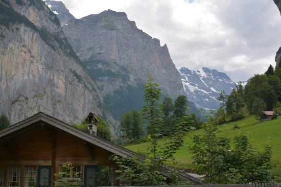 Lauterbrunnen Valley Waterfalls: photo2.jpg