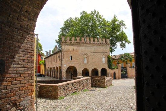 Fontanellato, Italy: Dall'ingresso...