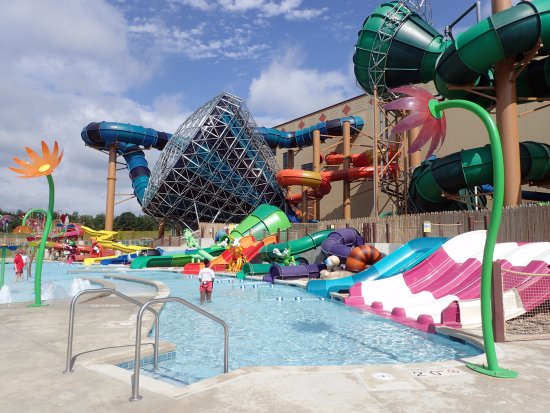 Awesome outdoor kids area - Picture of Kalahari Waterpark ...