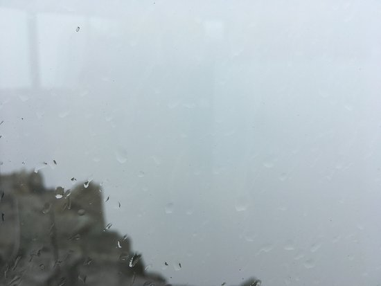 Silvaplana, Suiza: Le panorama..... par temps de brouillard