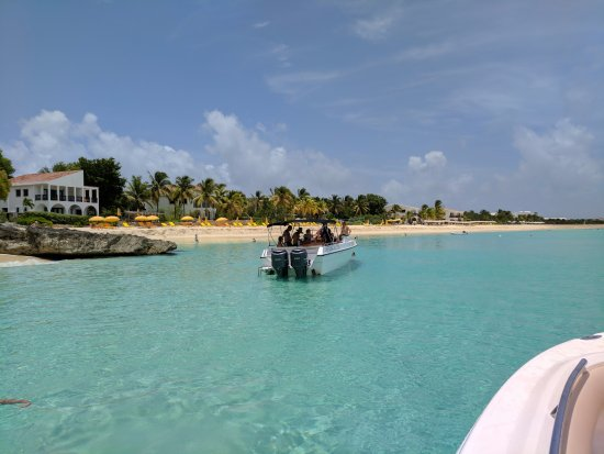 Oyster Pond, St. Maarten-St. Martin: Stopping at a beach in Anguilla
