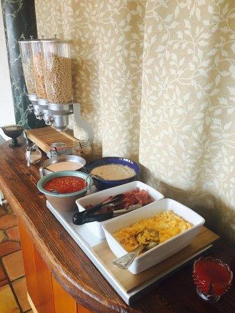 Kriunes Hotel: Breakfast buffet