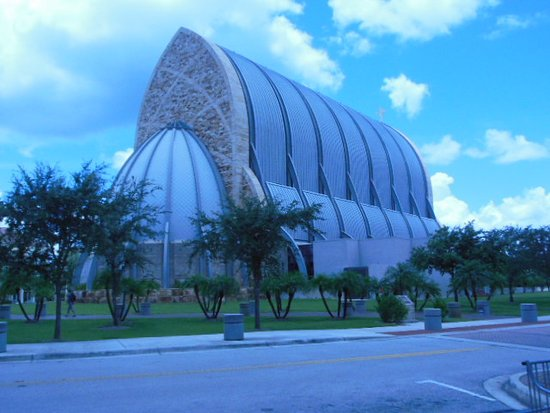 Ave Maria, Flórida: View of the church