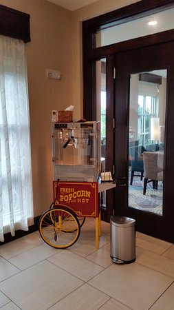Murfreesboro, TN: popcorn for snacking in the afternoon