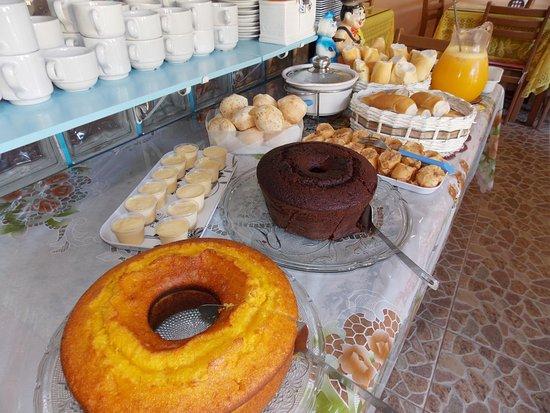 Pousada Pedacinho de Ceu: Café da manhã.