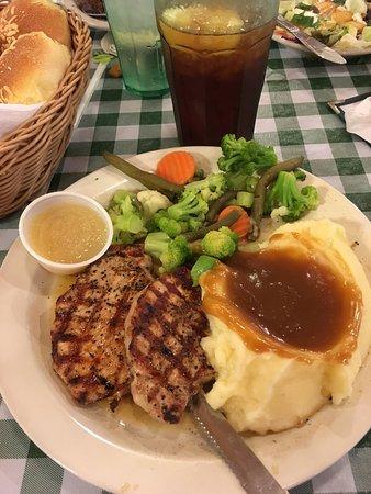 Pine Country Restaurant : photo0.jpg