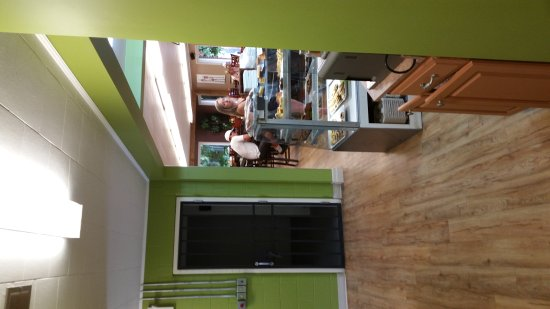 Walkerton, Canadá: Green Bean Pantry