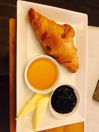 Frühstücksschnapper mit Café au lait oder Tee nur 3,90€!