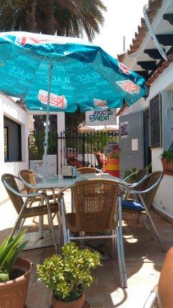 Bar piscina lago jardin 1 torrevieja restaurant reviews for Piscina jardin valencia