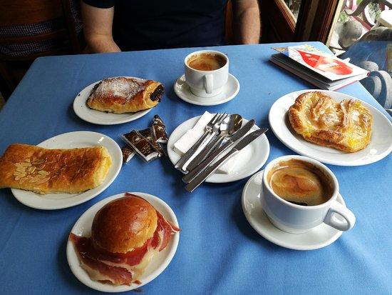 La Mallorquina: Petit déjeuner délicieux