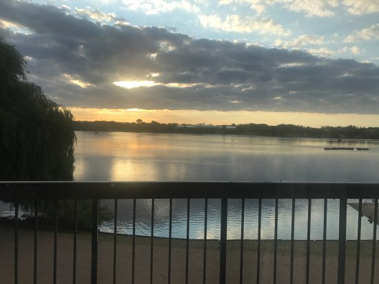 Premier Inn Milton Keynes East (Willen Lake) Hotel: view from room 40