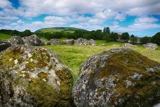 Carrowmore Megalithic Cemetery: The boulder curb of a tomb
