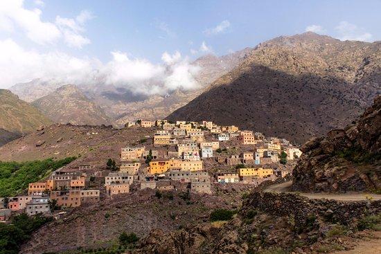 Toubkal Guide Day Tours : Toubkal Morocco Mai2017