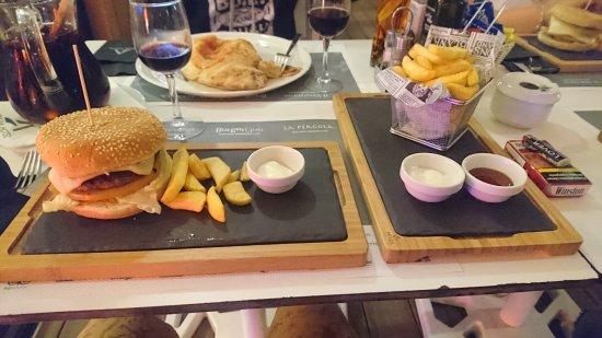 Burger Club: DSC_0067_large.jpg