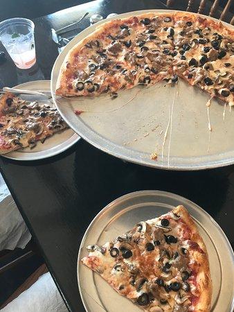 Pukalani, Hawái: Must try pizza!