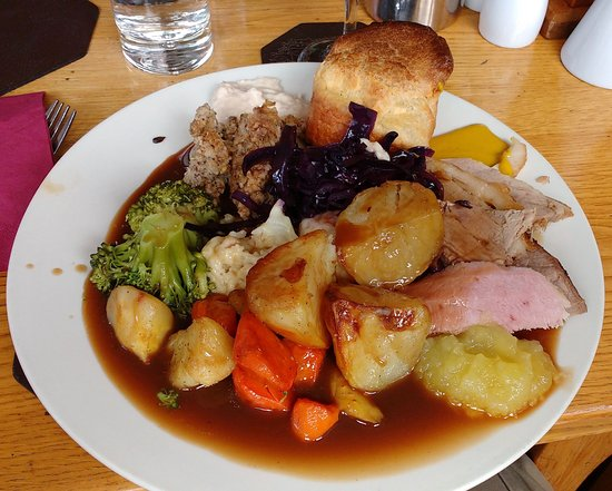 The Riverside Restaurant: Sunday Lunch Carvery at The Riverside