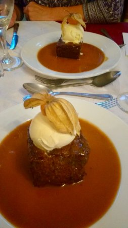 Boscastle, UK : Sticky Toffee Pudding with Clotted Cornish Cream at The Riverside