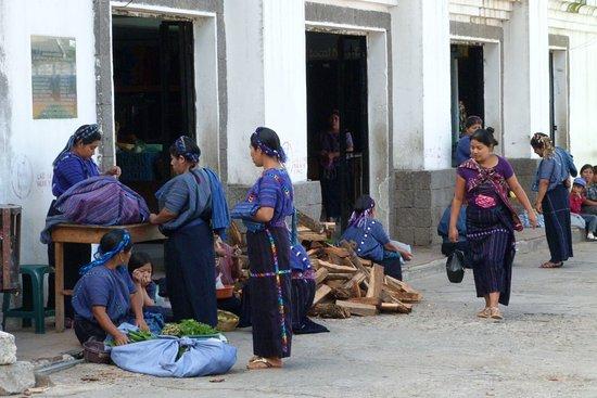 Lake Atitlan, Guatemala: Attività nel villaggio