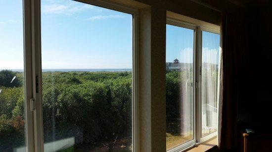 Ocean Shores, WA: Room view looking out over the ocean