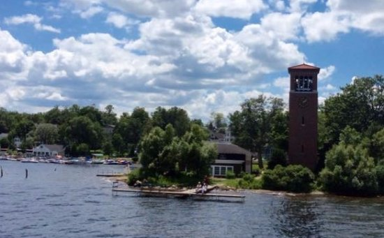 Mayville, نيويورك: A view of the iconic Miller Bell Tower at the Chautauqua Institution taken from the Chautauqua B