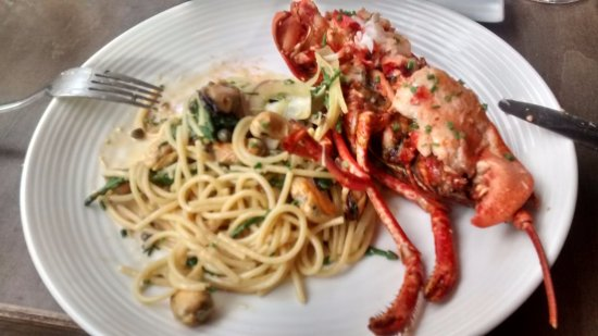 Tramezzini : Lobster with seafood linguine