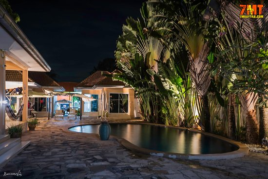 Chak Phong, Tailândia: Resort night view