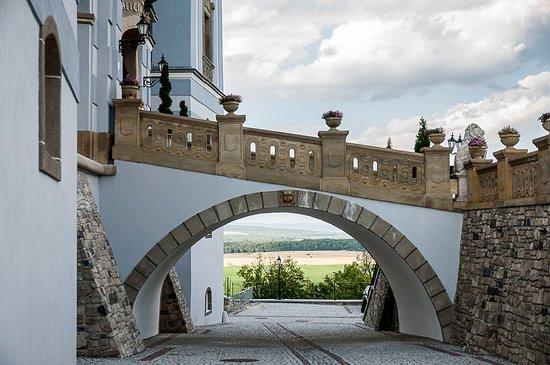 Lucenec, Slowakije: Hlavní vchod zboku