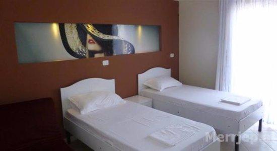 Ideal aparthotel saranda sarande albanie voir les for Appart hotel saran